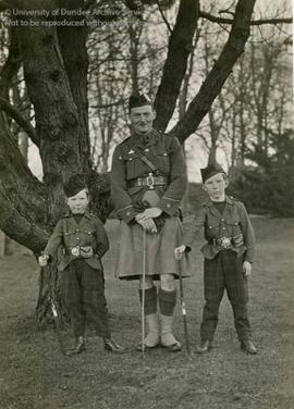 JE Cox, with children Edward and David Cox